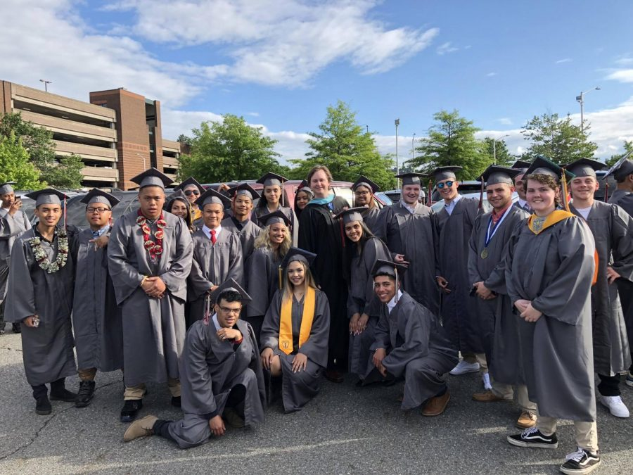 LHS Class of 2018 Graduates
